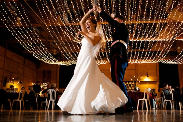 Noivos apostam em coreografia para a primeira dança do casal!