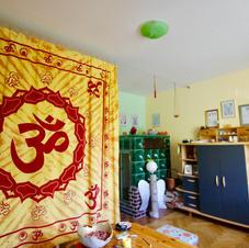 Relaxzimmer mit Kachelofen