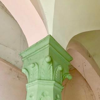 Gewölbe und Säulen