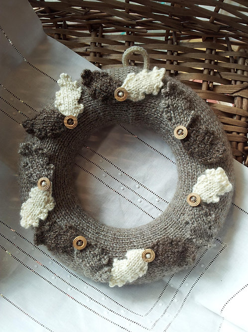 Natural Solstice Wreath Knitting Pattern