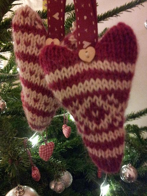 Alpaca Christmas Hearts