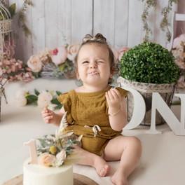 Beautiful Cake Smash.jpg