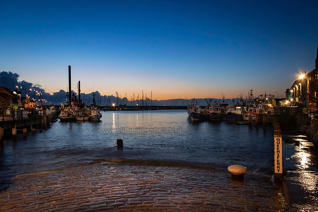 Dawn in the Harbour.