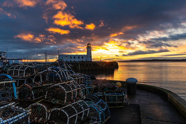 Lighthouse & Lobster-Pots