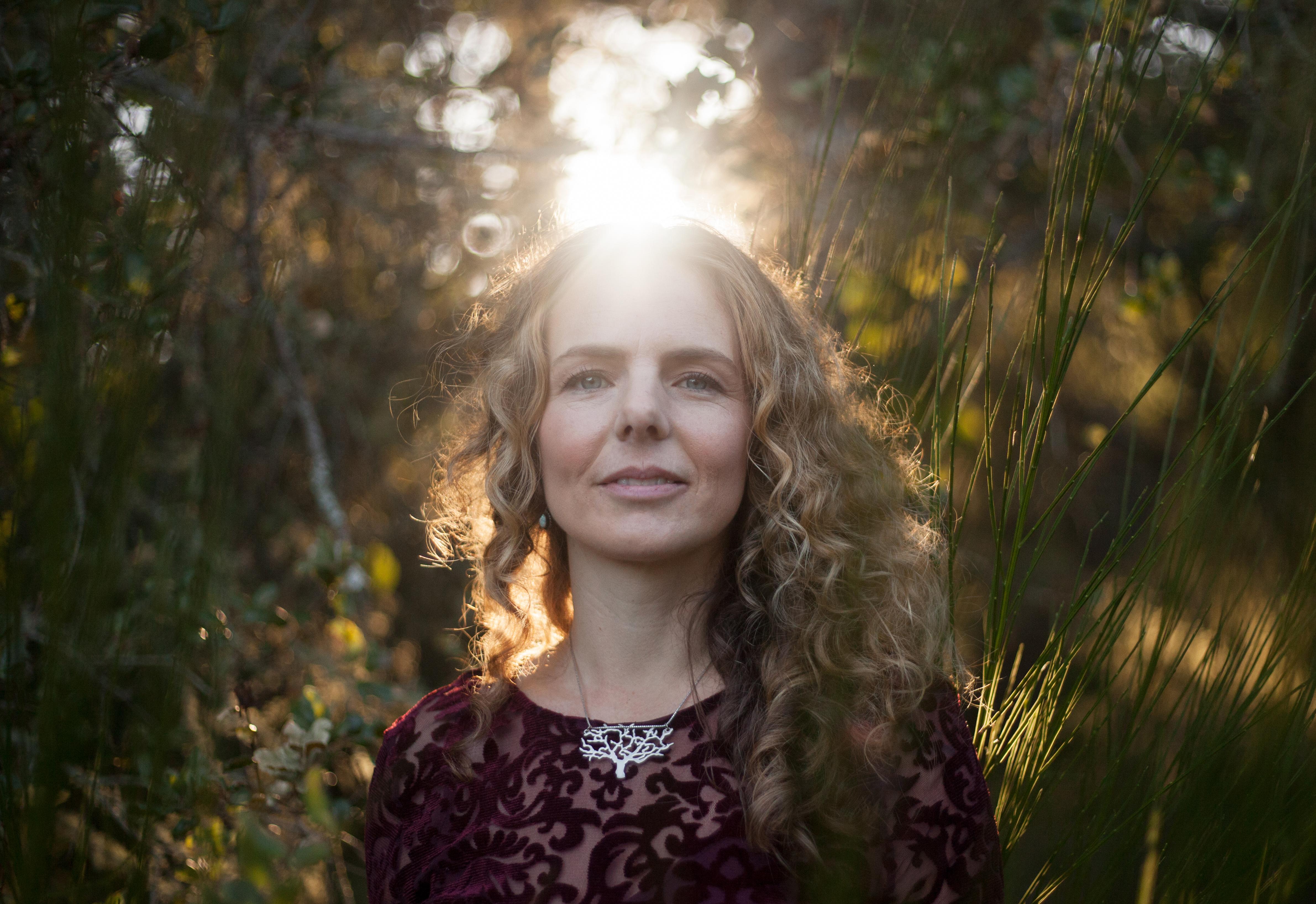 Erika halo of light