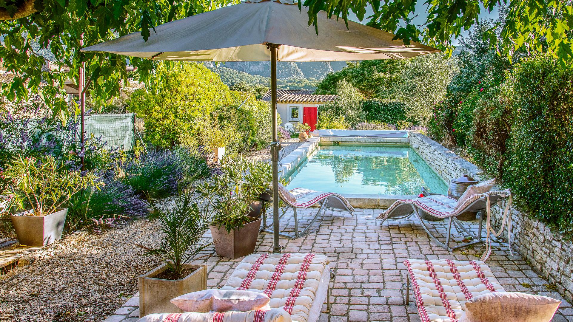 maison piscine.jpg