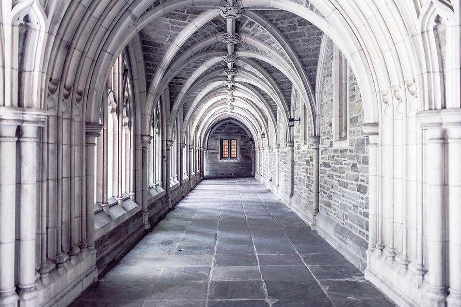 ornate courtlike building.jpg