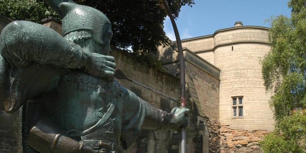 Robin Hood Statue Nottingham Castle