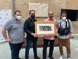 "Fotoperiodistas de Aragón premio ""Comunicar con valores"""