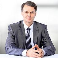 Retrato de um homem de terno e gravata