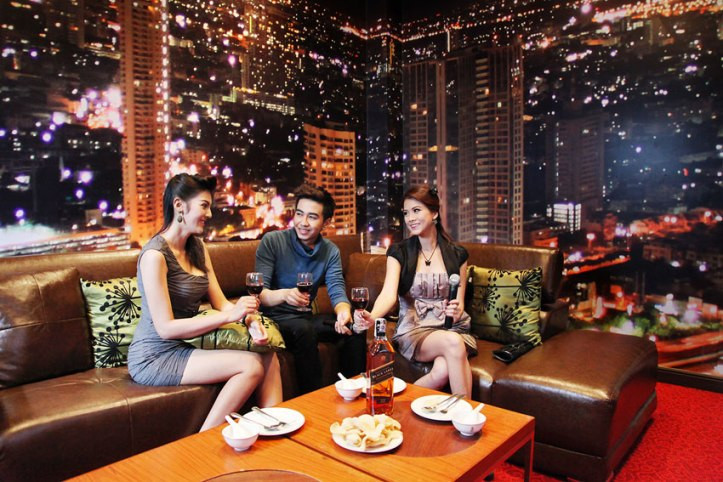 karaoke thai room 9 (1).jpg
