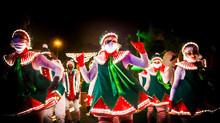 Les Troupes White Christmas Parade et Lutins Ambianceurs pour les parades de Noël au Cannet