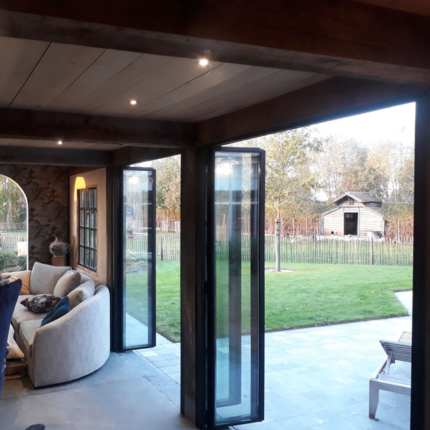poolhouse vouwdeuren open