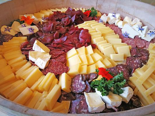 Fleisch-Kaeseplatte.jpg