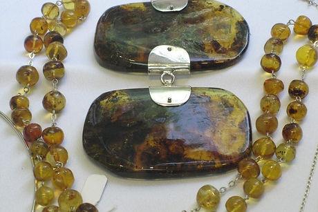 amber-x3-1600x1080-900x600.jpg