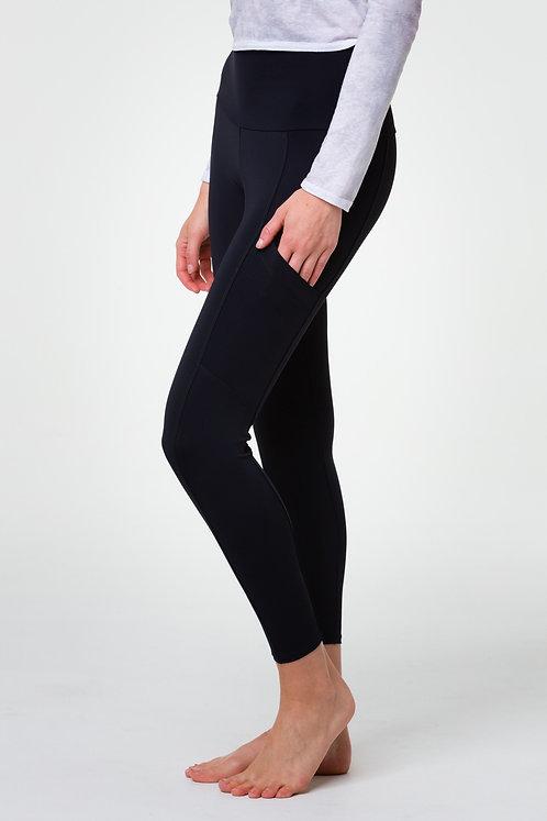 Onzie: High Rise Black Pocket Legging