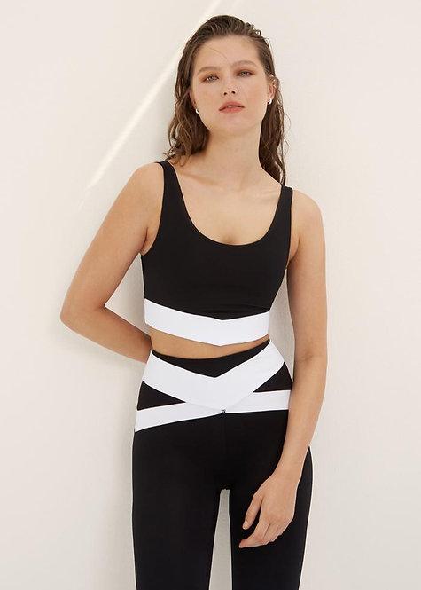 Body language: Pamela Bra Onyx/White