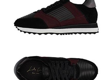 Lola Cruz: Purple Sneakers