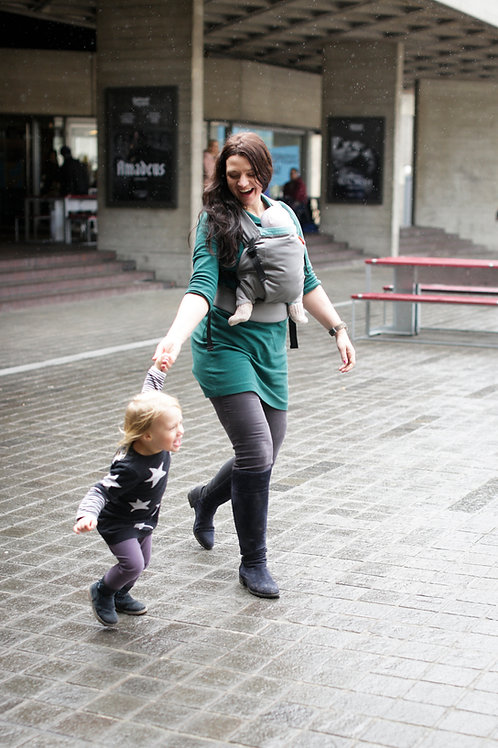 Hana 'Expand' baby to toddler Carrier