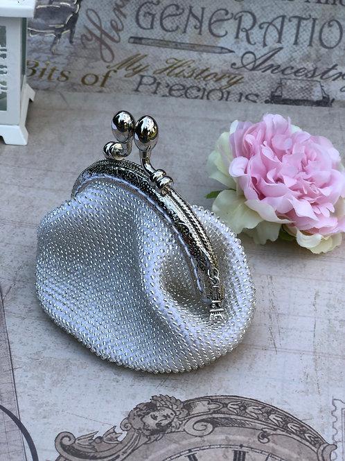 APt09 Täschchen Silber