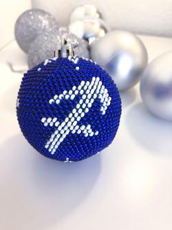 Weihnachtskugeln aus Perlen