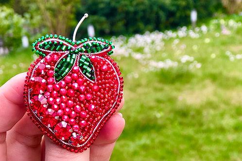 APb0917 Brosche Erdbeere