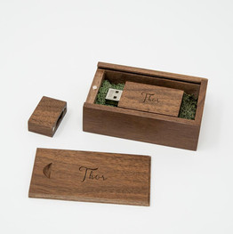 Small Walnut USB Box photo example Thor.