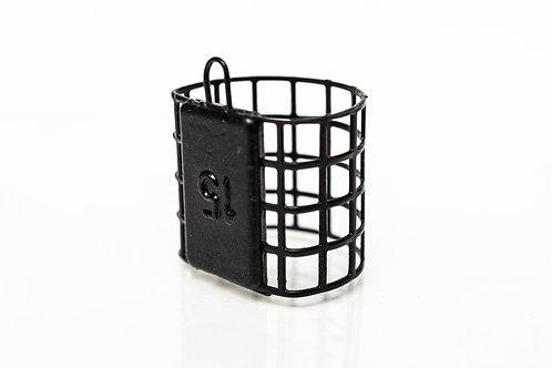 4 hole cage feeder