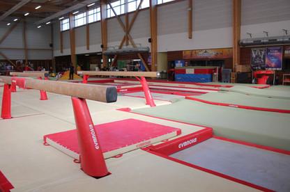 Espace poutre et vu sur espace trampoline