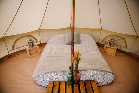 Glamping guest tent for wedding