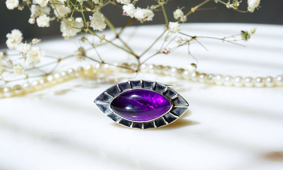 Ojo Ring with Amethyst