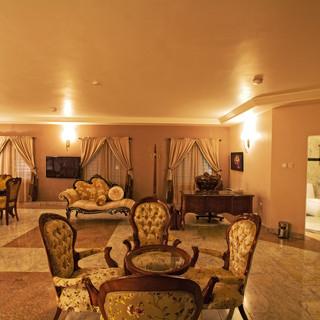 oxygen hotel presidential lodge room