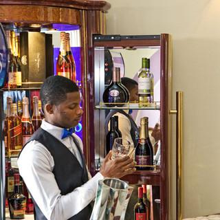 oxygen hotel restaurant and bar