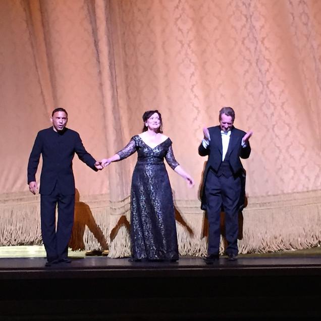 """Das Lied von der Erde"" at Lincoln Center, with Tom Randle and Barry Wordsworth."
