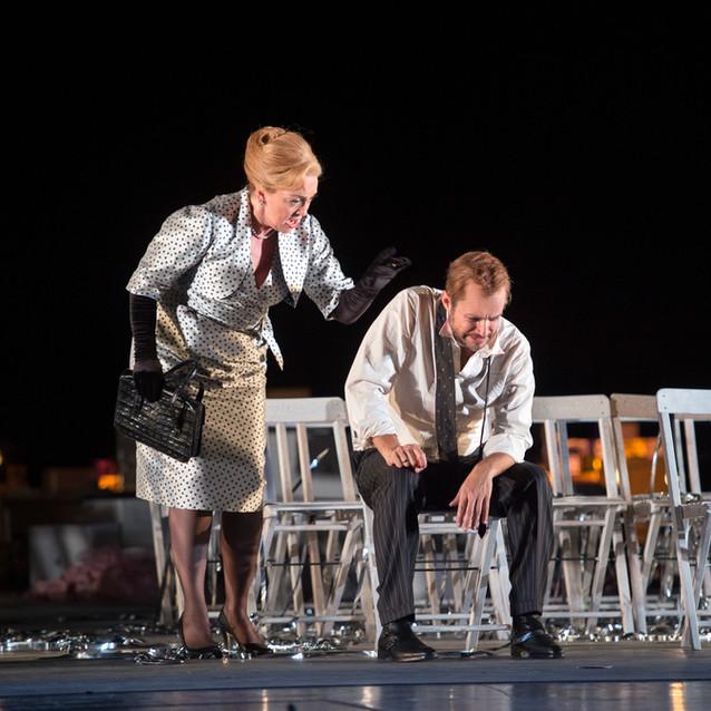With Alex Esposito as Figaro | Dutch National Opera