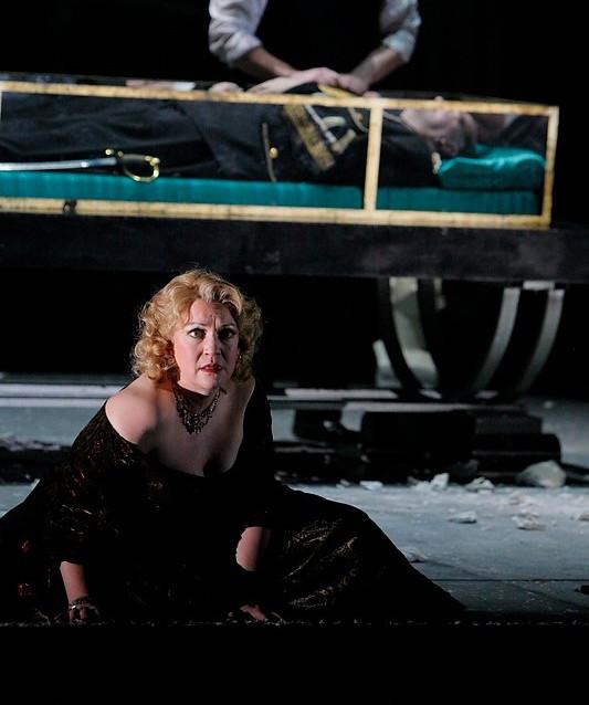 With Brian Mulligan as Hamlet | Minnesota Opera | Photo by Michal Daniel