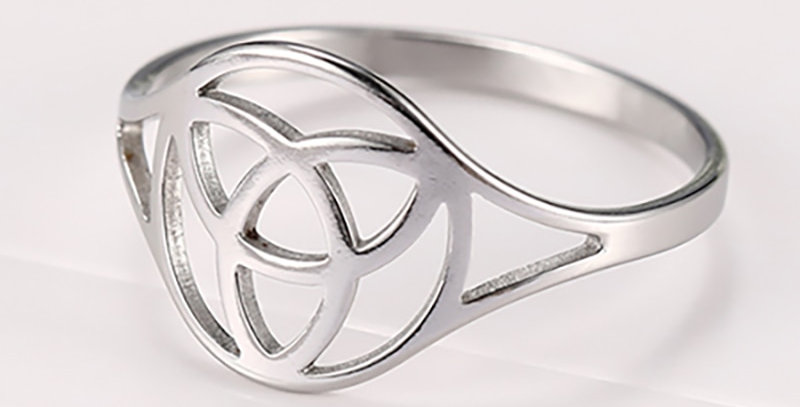 Vintage Celtic Knot Ring | Unique Geek Jewelry