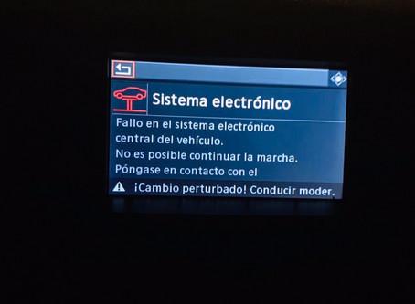 El radio de un BMW X5 deja de funcionar por una lluvia muy fuerte