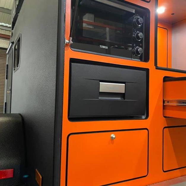 Grand Tourok kitchen layout