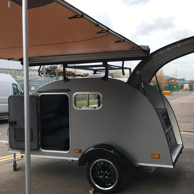 2.5 m pull out canopy with roof bars