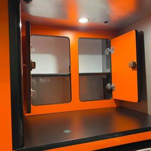 Grand Tourok kitchen storage