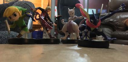 Amiibos Assemble!
