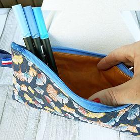 Les pochettes plates colorées et imperméables