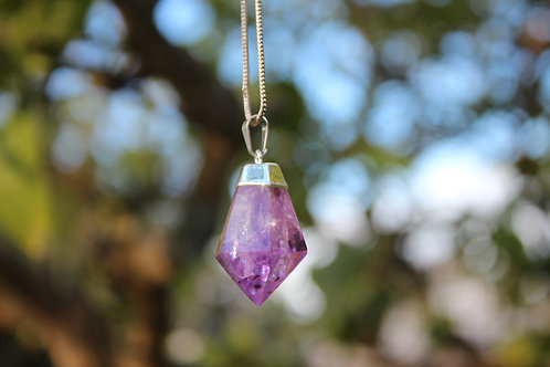 Amethyst point dark purple