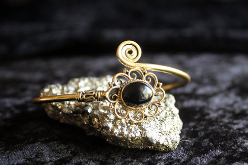 Onyx Arm bracelet