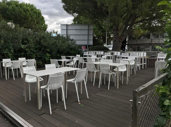 Chaise Ibiza - Table Quartz - Vondom - Class'croute - Nîmes