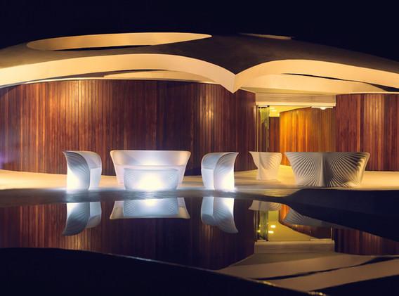 Lumière - Vondom - LED RGB - salon de jadin - BIOPHILIA