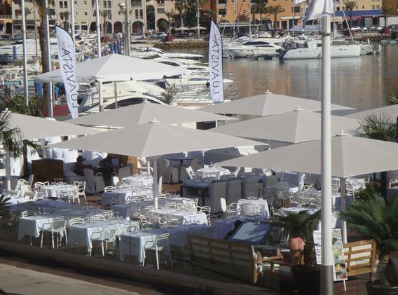 Parasol_Géant_Bahama_Jumbrella_Protection_Maritime_V4A_Restaurant_04