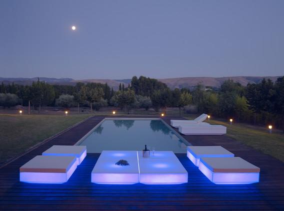 Lumière - Vondom - LED RGB - salon de jadin - Vela