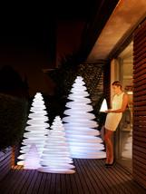 Lampe - vondom - agencement - O Grands Bains - sapins lumineux